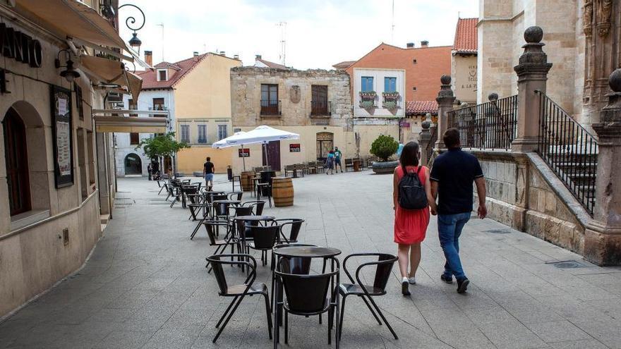 Castilla y León cierra la hostelería en 53 municipios por el avance de la Covid-19