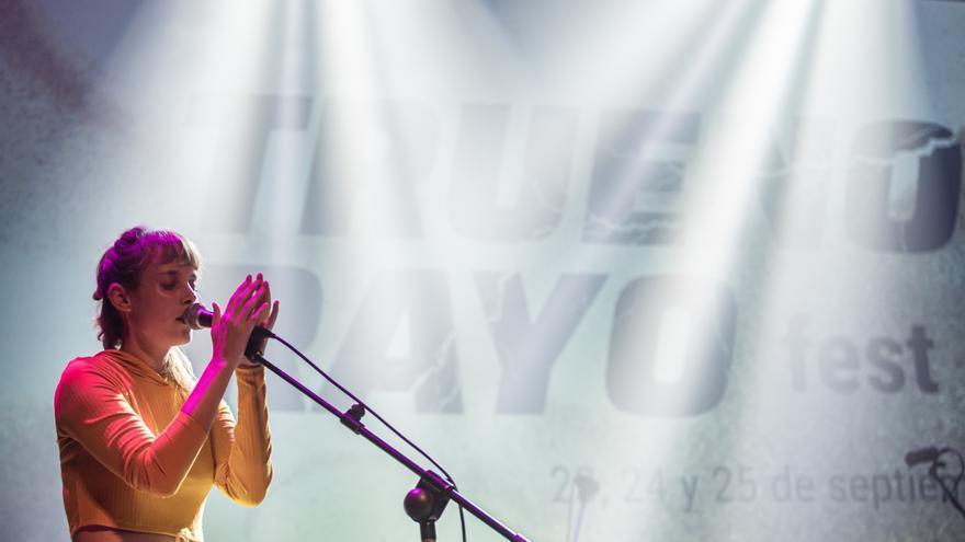 Javiera Mena despide la octava edición de Truenorayo Fest con una reivindicación de la visibilidad lésbica