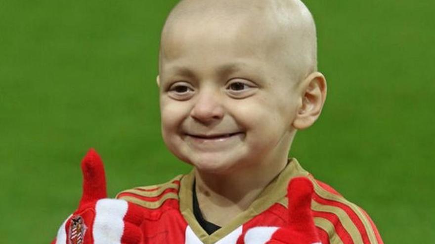 Defoe, emocionado en el funeral del pequeño Bradley, fallecido a consecuencia de un cáncer