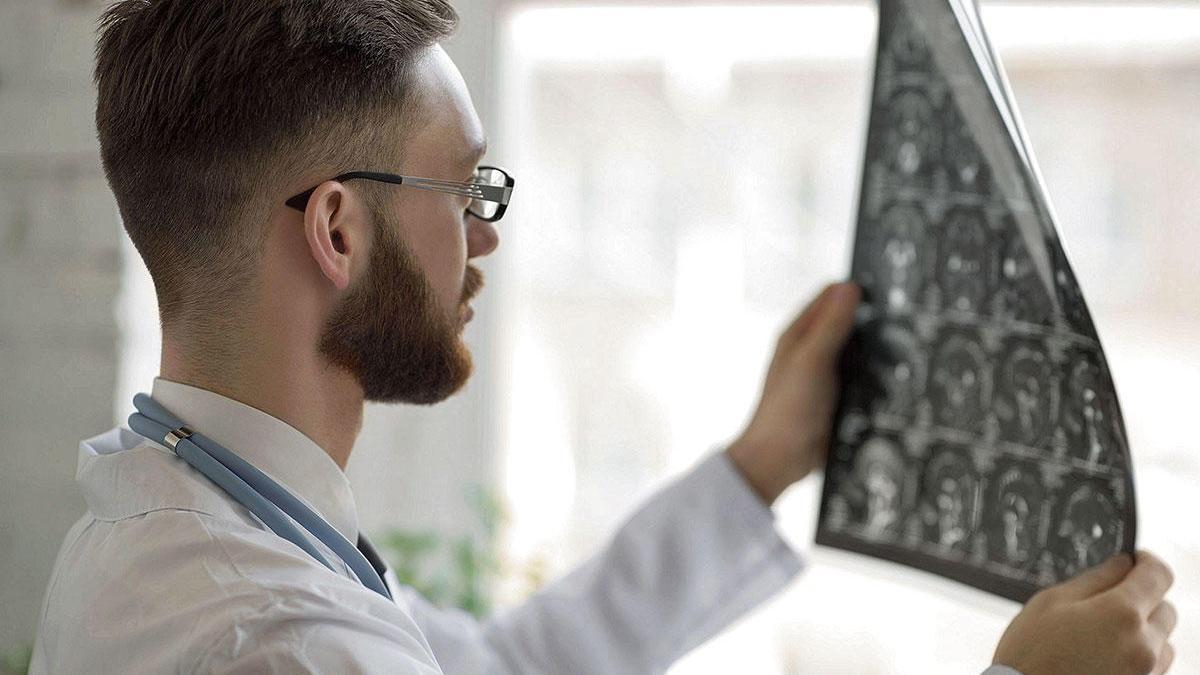 Bisher müssen die Ärzte die Röntgenaufnahmen selbst auswerten