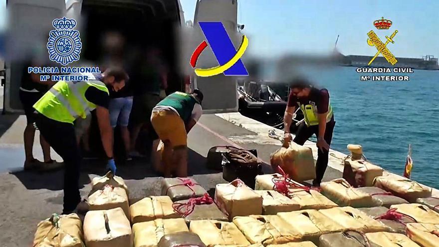 Llevaban toneladas de hachís de África a la Región en lanchas