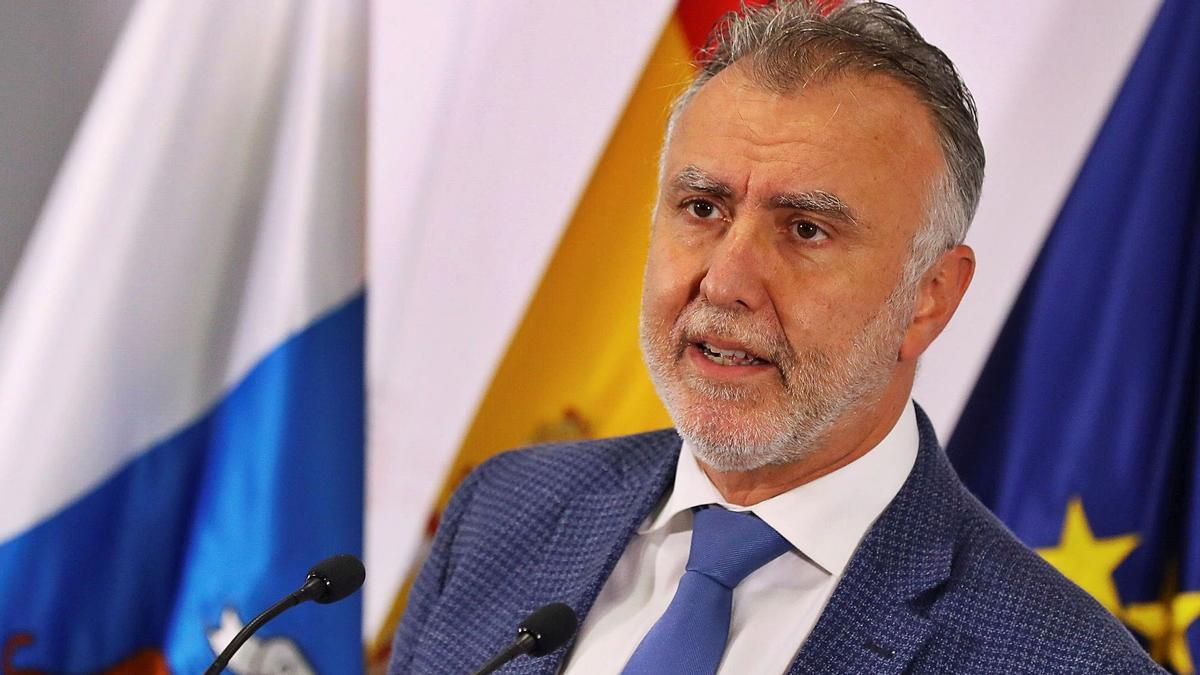 Ángel Víctor Torres durante su comparecencia en Presidencia del Gobierno para anunciar las nuevas restricciones de la Isla.