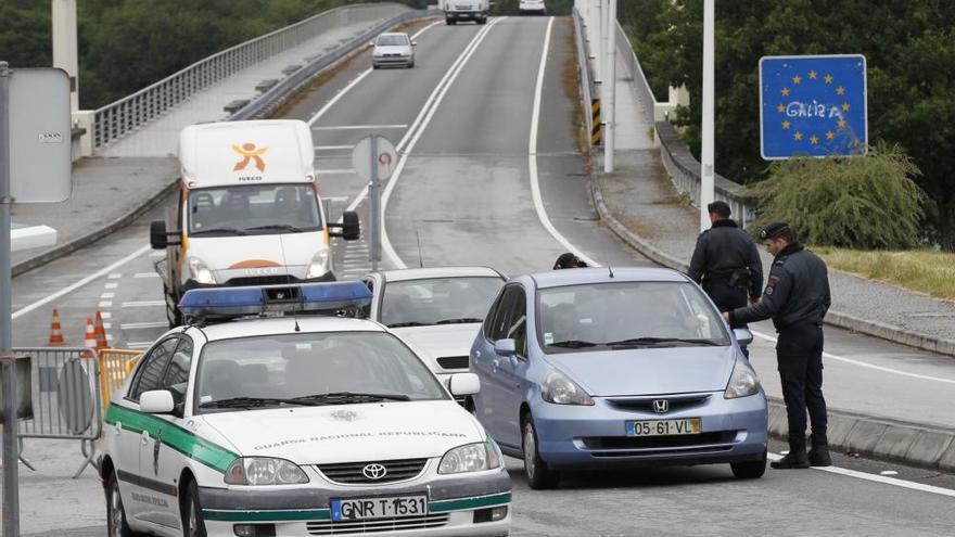 El primer día de controles en la frontera lusa provoca retenciones de más de una hora
