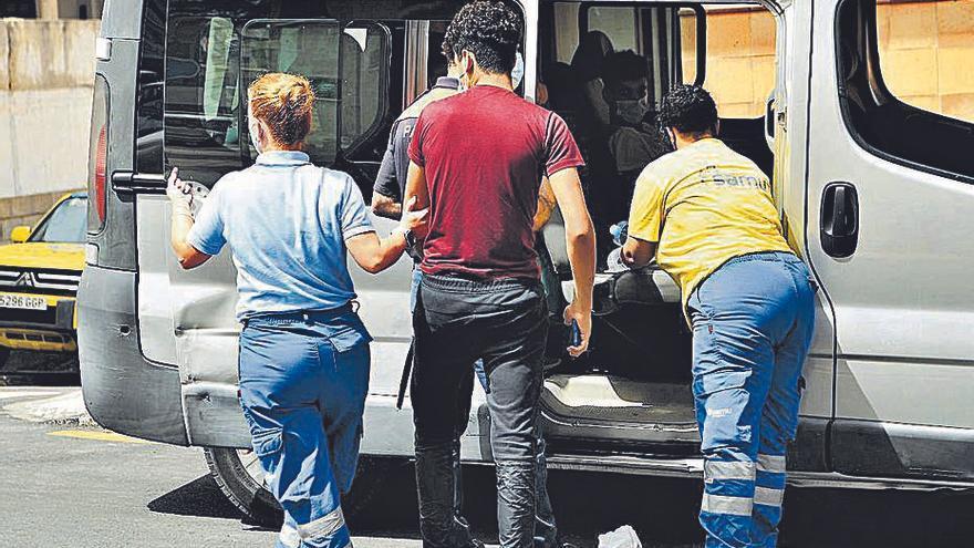 Ceuta i Moncloa insisteixen a tornar els menors migrants