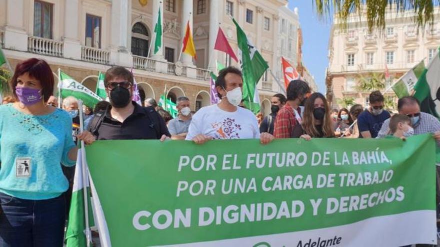 6.000 personas protestan por el cierre de la planta de Airbús