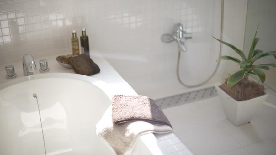 El truco infalible para limpiar el váter con vinagre en menos de un minuto