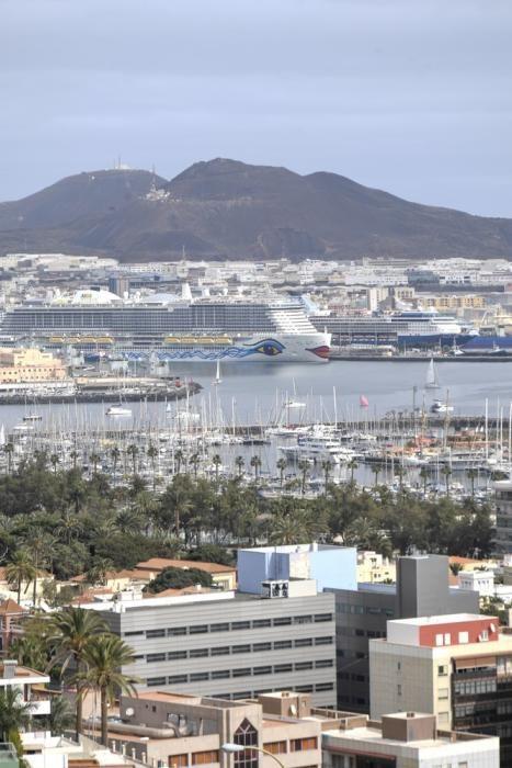 Cruceros en el Muelle de Santa Catalina.