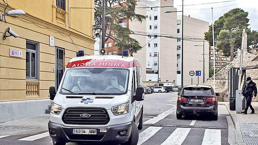 Herida muy grave una policía nacional por un detenido en Valencia