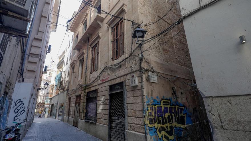 Cort afirma que el casal de la calle Sant Bartomeu que quiere convertirse en hotel es estable