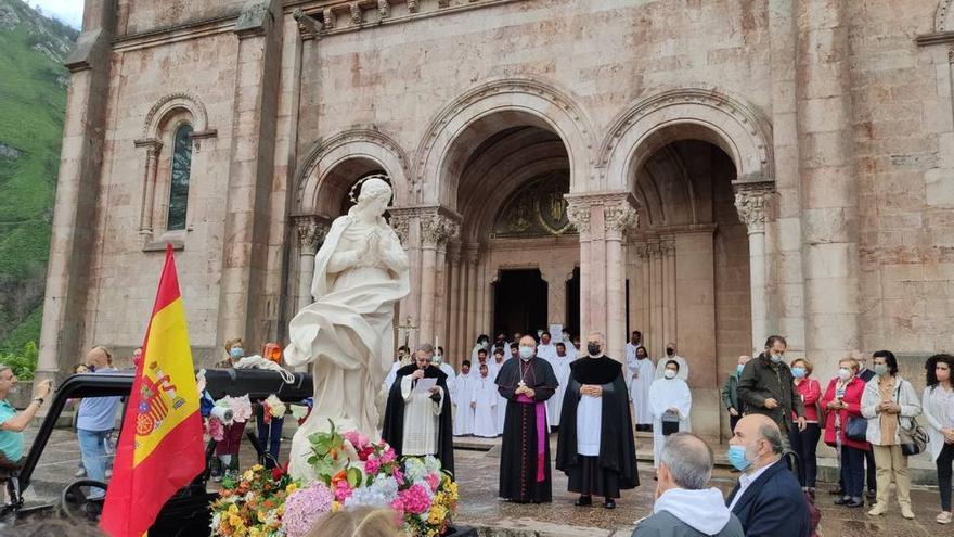 La Virgen Peregrina será recibida hoy con honores en la plaza de la Catedral