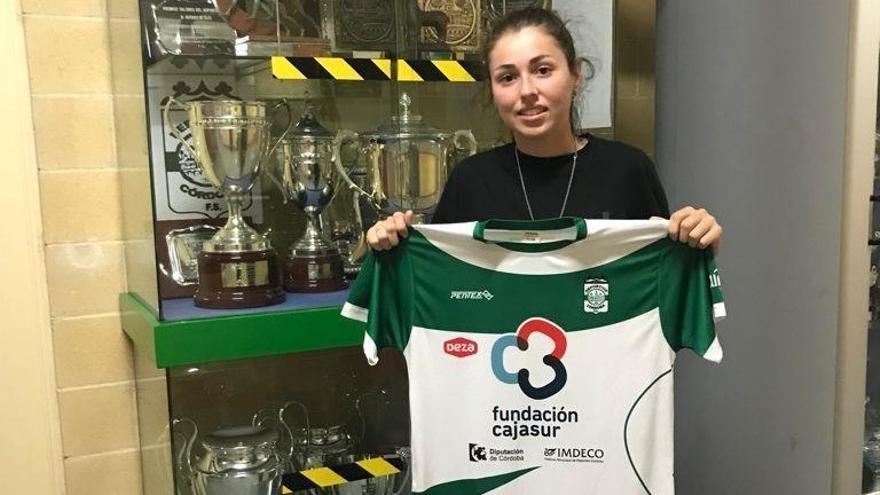 Yanira Valencia, juventud y ambición para el Cajasur Deportivo Córdoba
