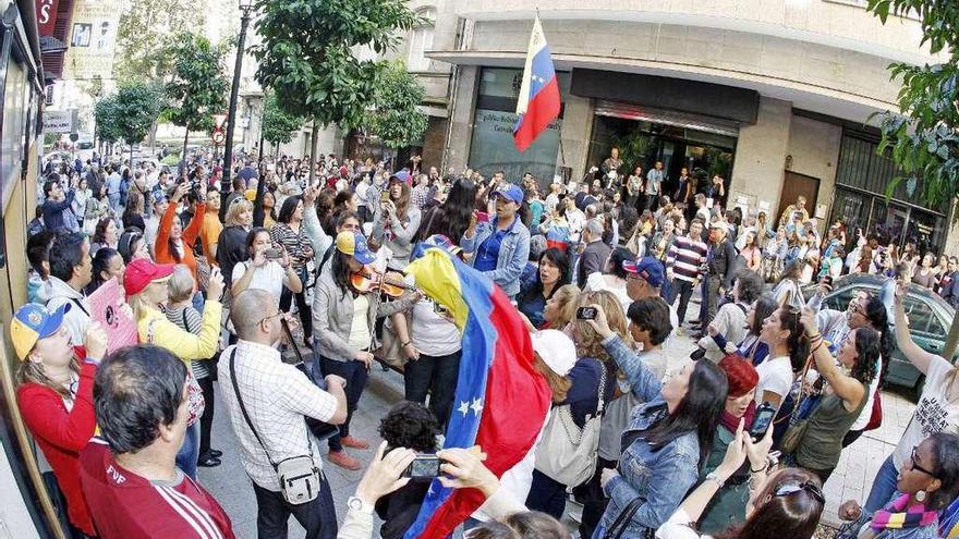 La llegada de venezolanos a Galicia se cuadriplica durante el mandato de Maduro
