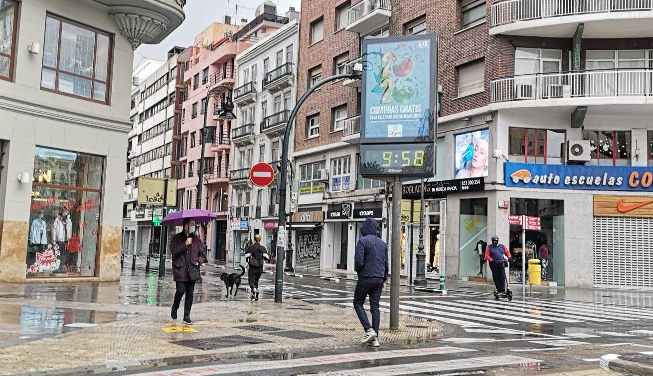 València inicia 2021 con un aguacero