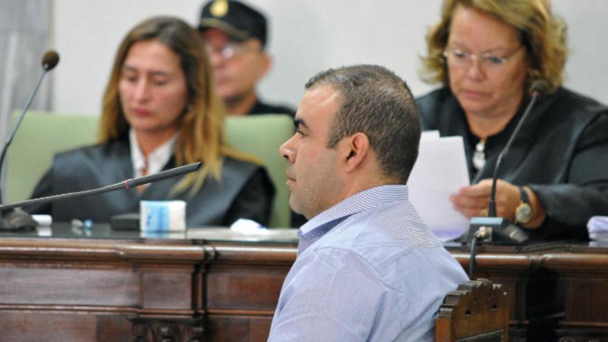 El fiscal endurece su petición de pena contra un cazador por maltratar a 16 podencos