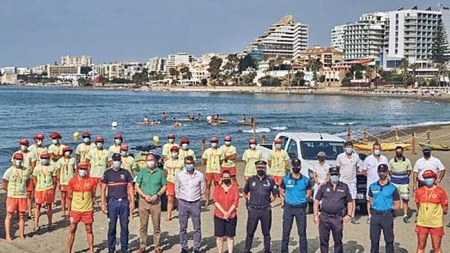 Benalmádena duplica el número de socorristas este verano en sus playas