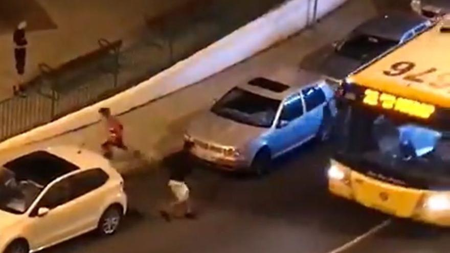 Identifican a los autores del acto vandálico sobre Guaguas Municipales