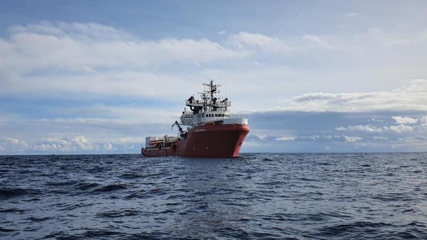 La Ocean Viking, con 374 inmigrantes, solicita un puerto seguro urgentemente