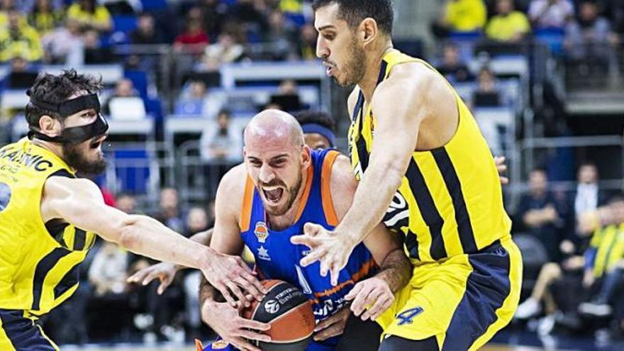 Cuatro casos positivos en un rival del Valencia Basket