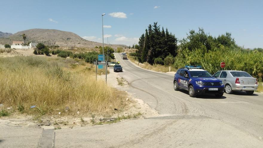 Dos hombres heridos en Fortuna tras salirse de la vía el coche en el que viajaban