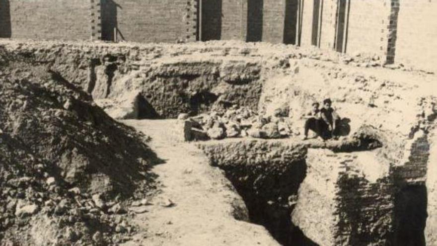 Catas en Corretgería para buscar la muralla romana republicana