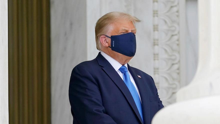 """Abucheos contra Trump en su visita al Tribunal Supremo: """"¡Votad para que se vaya!"""""""