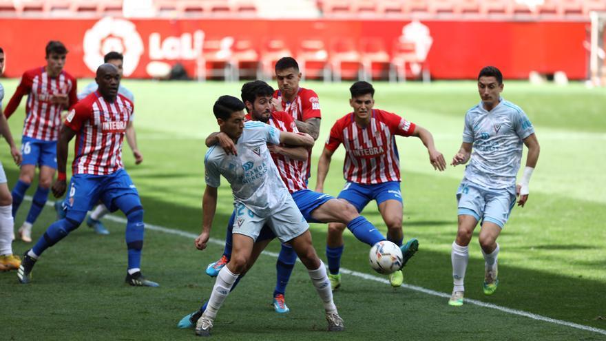 La crónica del Sporting-Mirandés: Frenazo con todo a favor