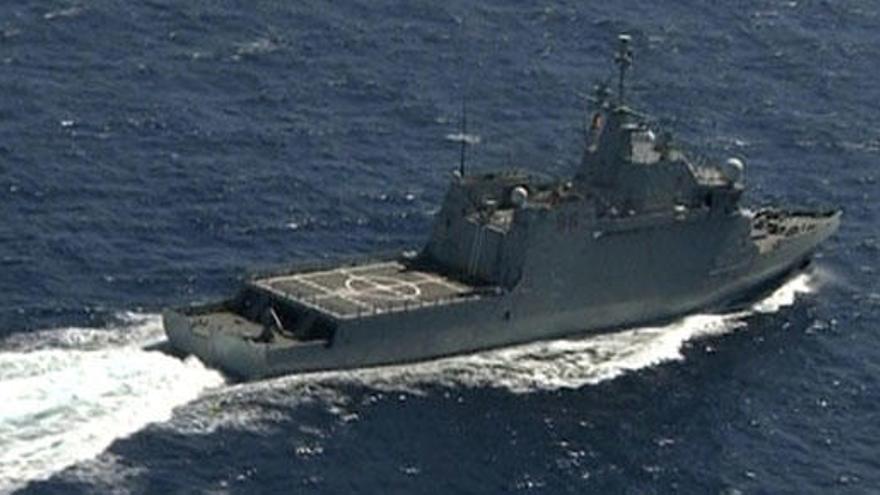 Defensa tratará este jueves de izar la cabina del helicóptero