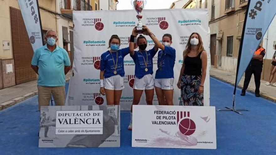 Las féminas de l'Alqueria i Xeraco suben de categoría como campeonas autonómicas de raspall