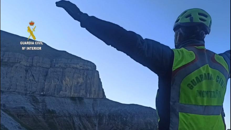 La Guardia Civil efectuando rescates de montaña