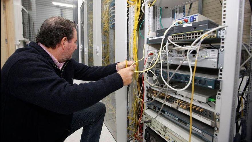 Vila-real da un nuevo paso como ciudad inteligente con el contrato de telecomunicaciones