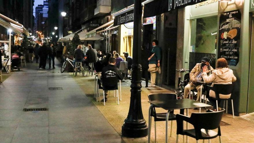 Vídeo: Casi 600 peticiones en una hora: avalancha de solicitudes de ayuda de los hosteleros asturianos