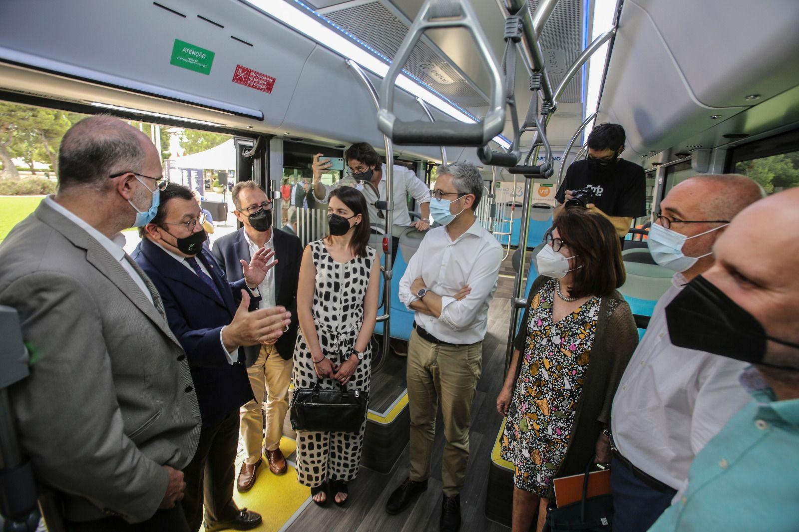 Autobús propulsado por hidrógeno verde