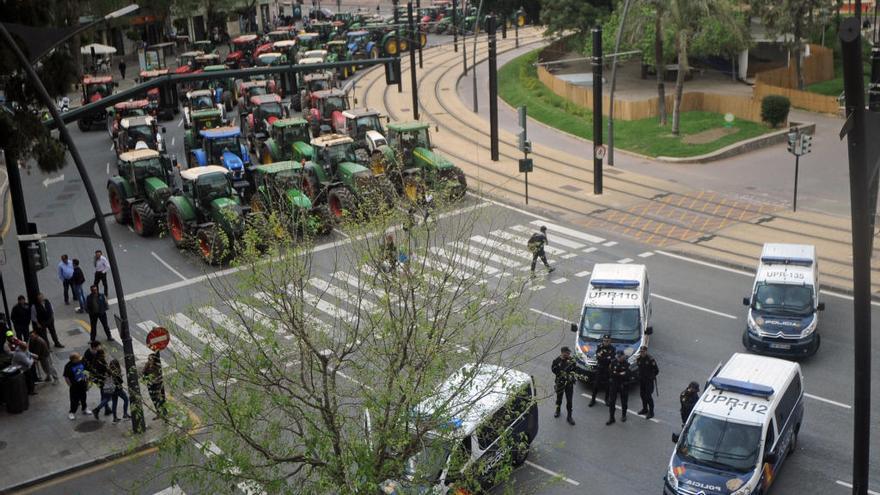 """La Delegación el Gobierno llama a una manifestación """"pacífica"""" de los agricultores"""