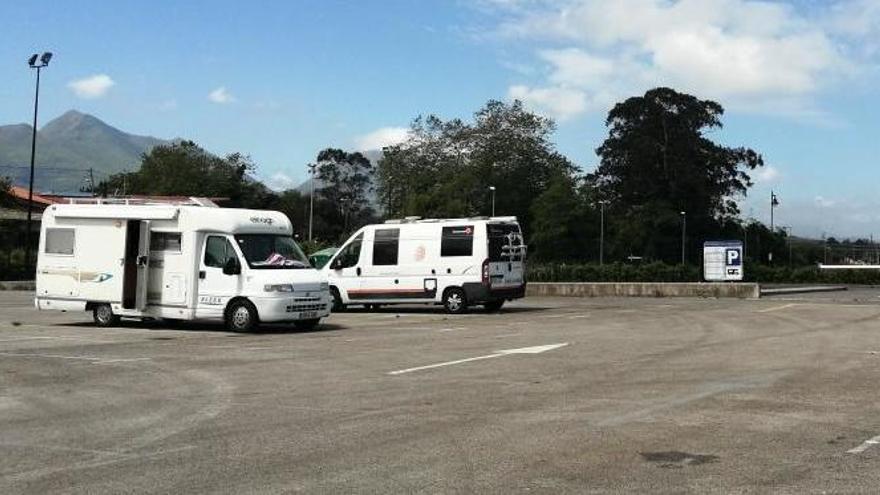 Llanes revisará la ordenanza y ampliará el espacio para autocaravanas