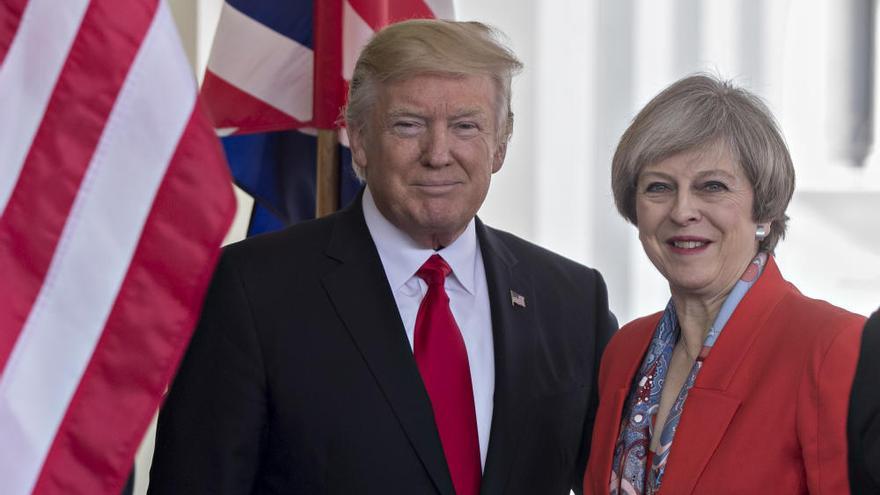 Theresa May, primera mandataria que recibe Donald Trump