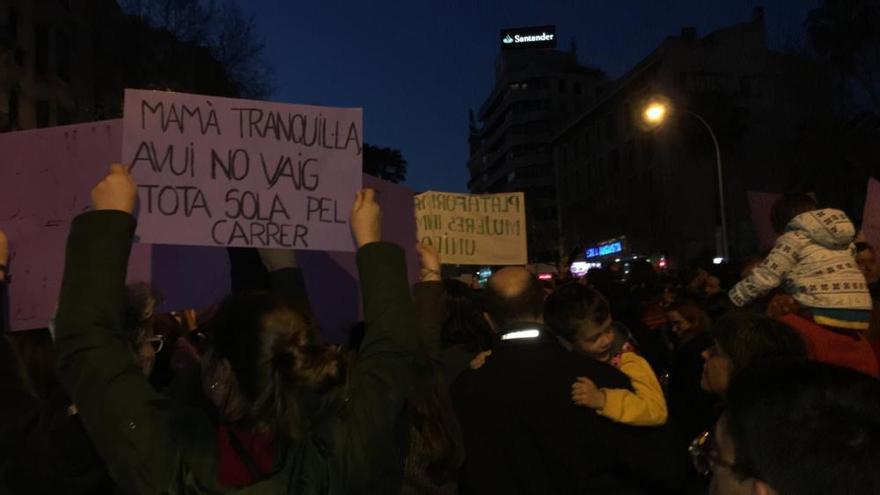Weltfrauentag 2019: Tausende demonstrieren auf Mallorca