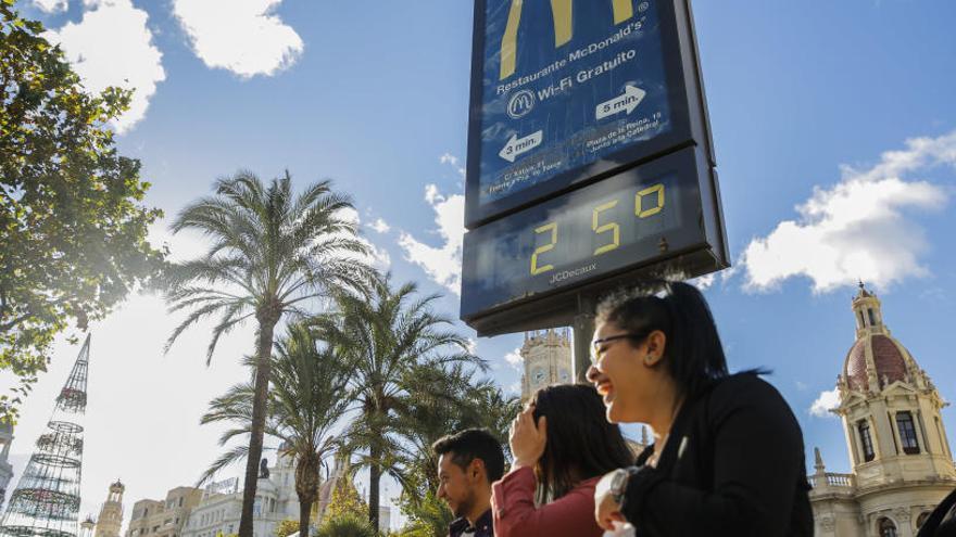 València despide el otoño con el día más cálido de diciembre en 100 años