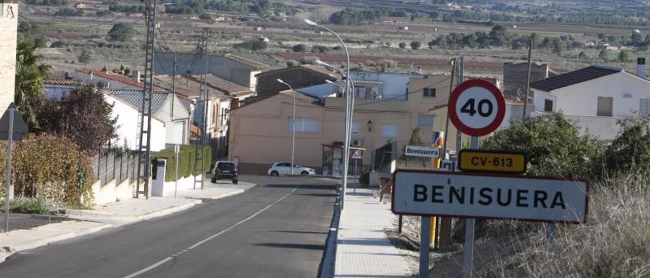 Entrada a la población de Benissuera, en riesgo de despoblación, en una imagen de archivo.    PERALES IBORRA