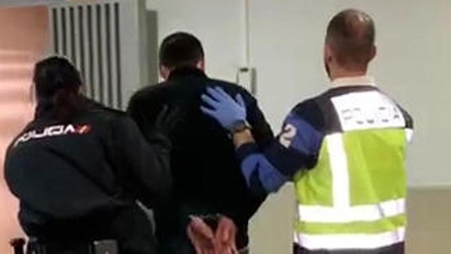 El detenido, un hombre de 42 años.