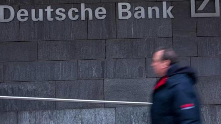 Deutsche Bank demana perdó per pèrdues multimilionàries