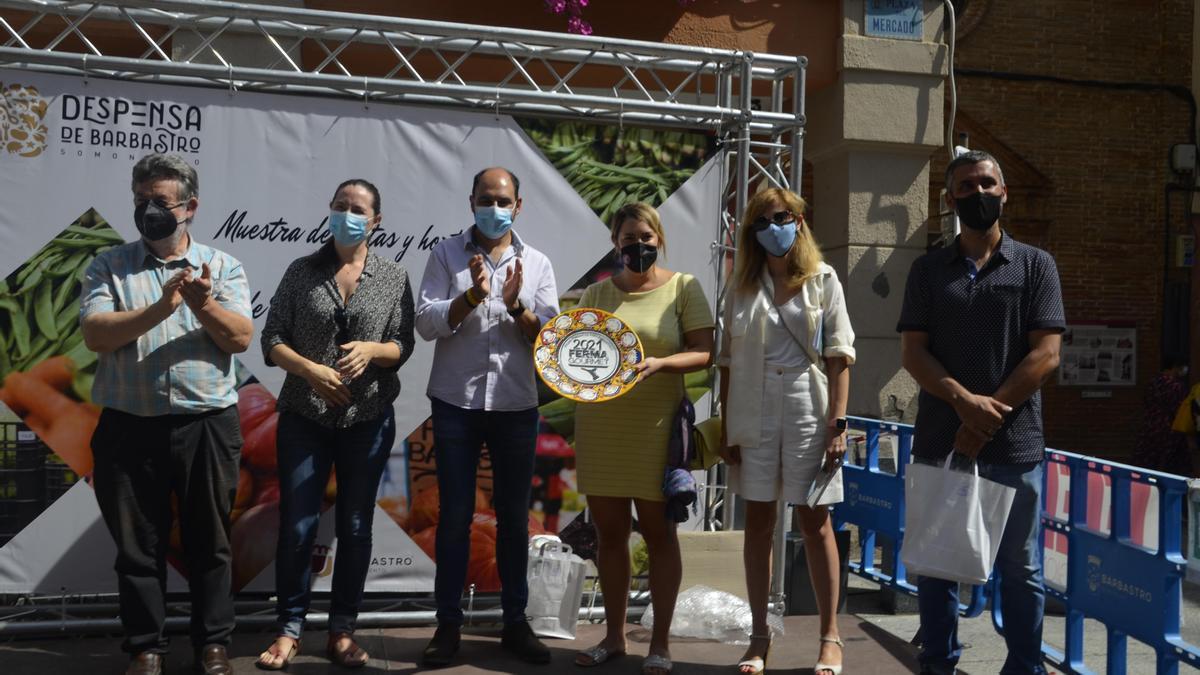 El trofeo FERMAGourmet 2021 ha recaído en Carnicería Bernad por su 'Butifarra de lengua'. Además, el jurado ha otorgado un accésit a Cabecita Loca por su 'Ginebra Gin'.