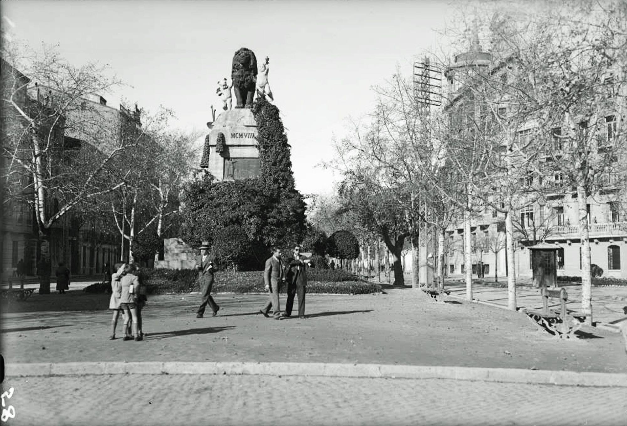 monumento hispano-francesa.jpg