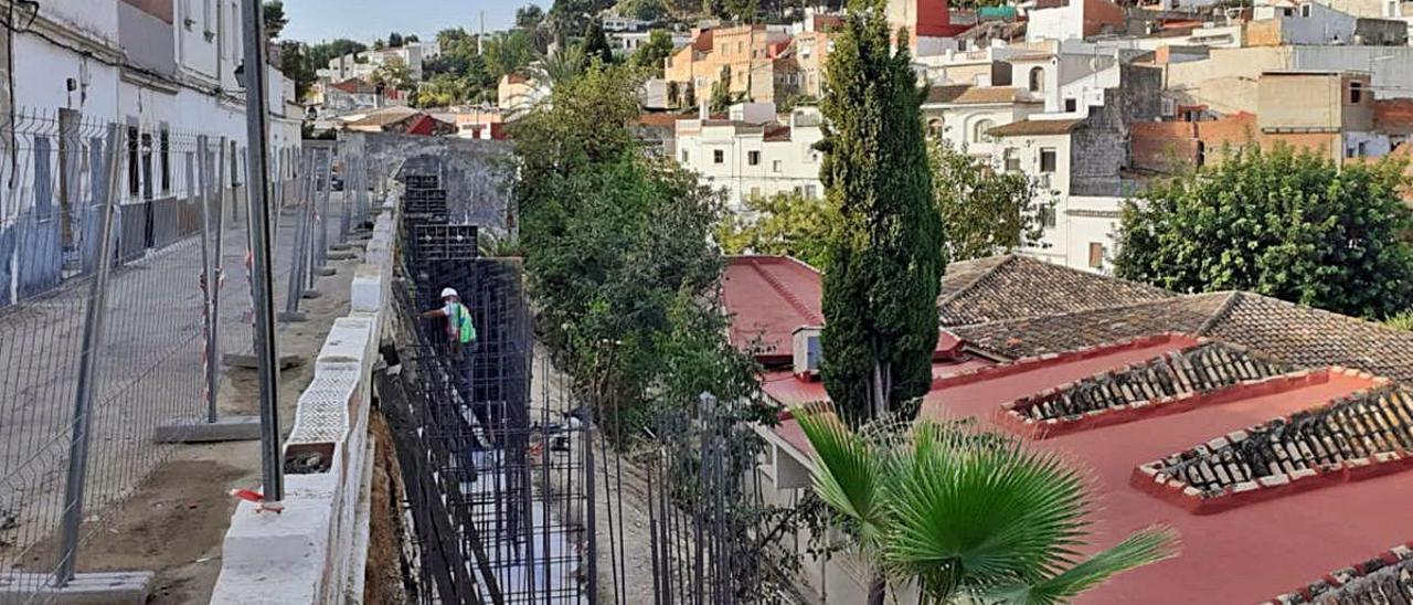 Las obras que actualmente se están desarrollando en el entorno de la escoleta El Caragol, incluidas en el ARRU.