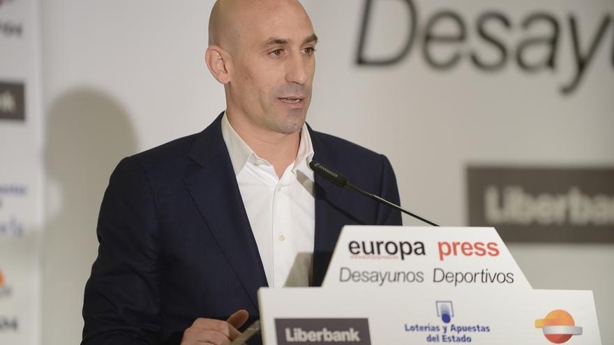 """Luis Rubiales: """"Hemos actuado con enorme responsabilidad"""""""