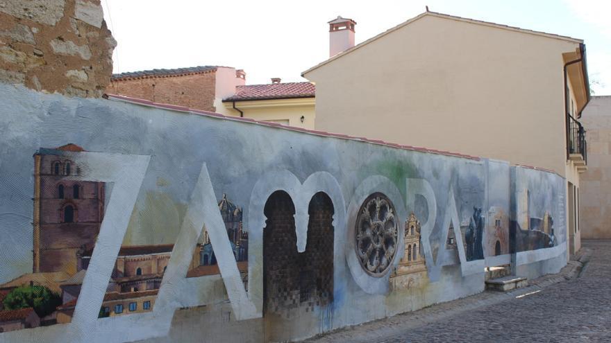 Zamora concluye un nuevo mural frente a la Catedral