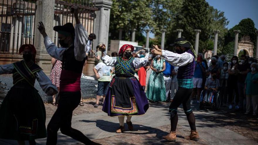 """Día de los Abuelos en Zamora: """"Estuve 14 meses sin ver a mis nietos"""""""