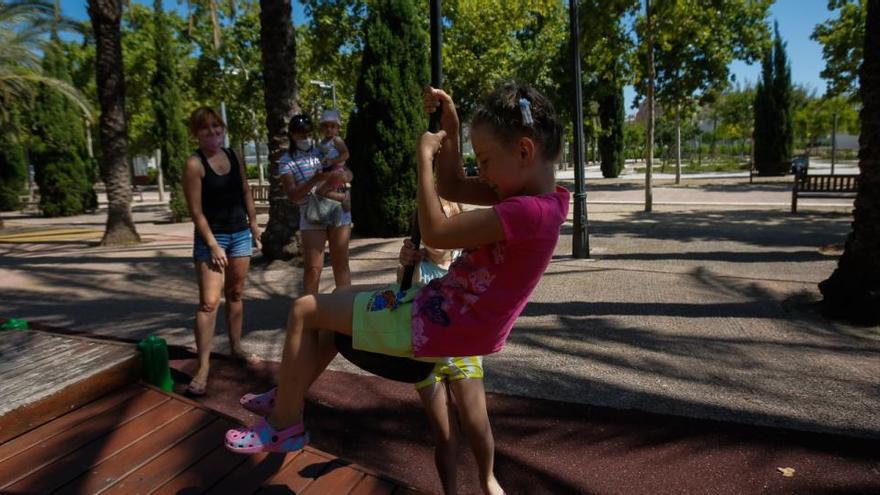 València cierra los juegos infantiles de los parques para evitar contagios