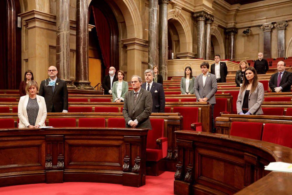 El primer ple del Parlament des del confinament, en fotos