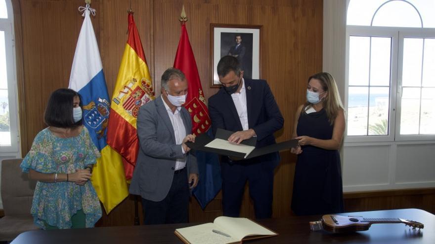 Torres se reunirá con Sánchez en Lanzarote para tratar asuntos de Canarias