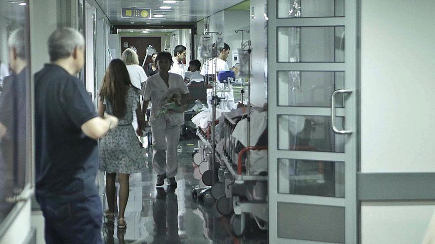 Contagios en Baleares: 288 pacientes en planta y 46 en UCI elevan la presión asistencial por la covid-19
